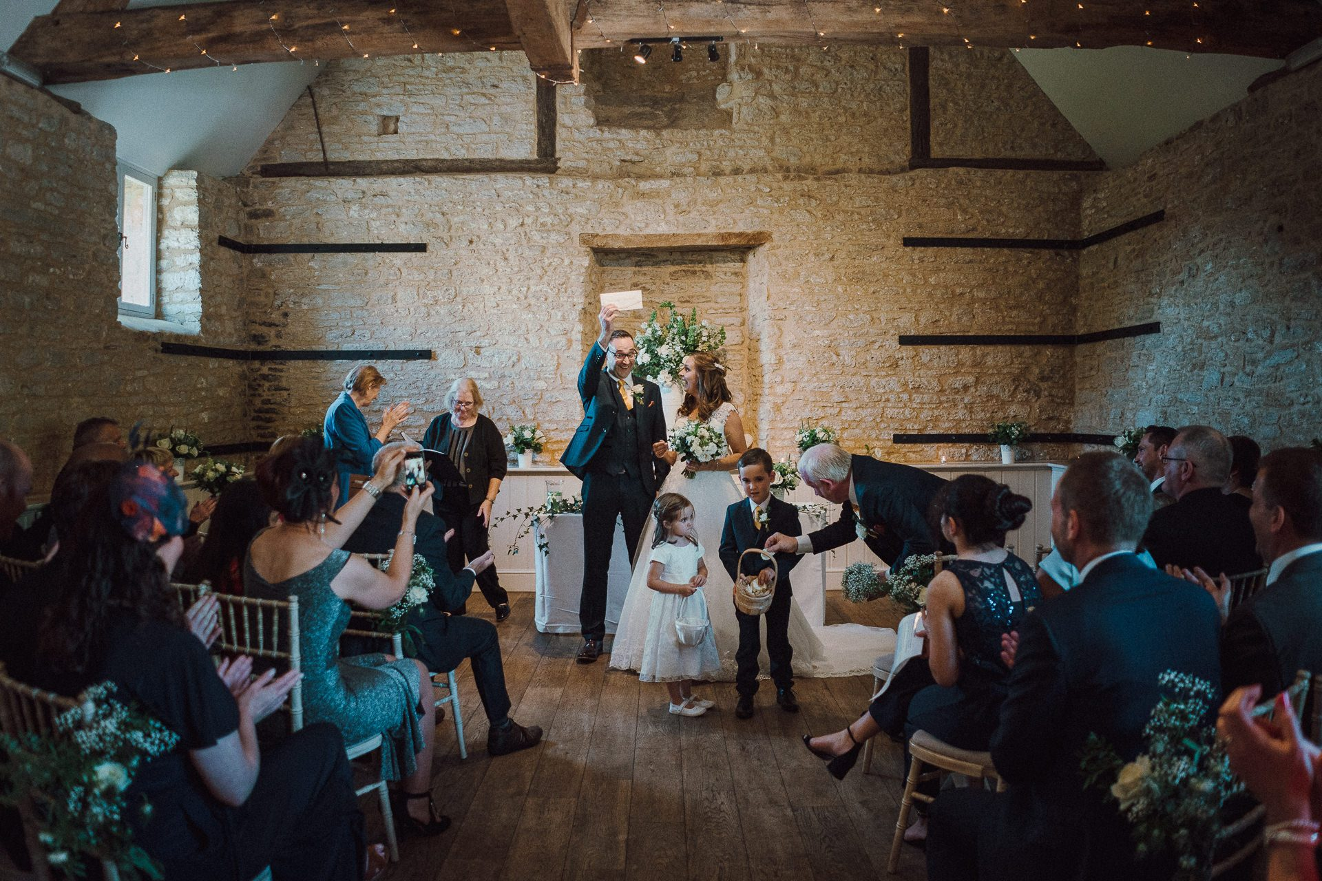 0001-DEVON-SOMERSET-WEDDING-PHOTOGRAPHER-0592-BEST-OF-2019-LOUISE-MAY-DEVON-SOMERSET-WEDDING-PHOTOGRAPHY-20190920-14-19-38-LM109658