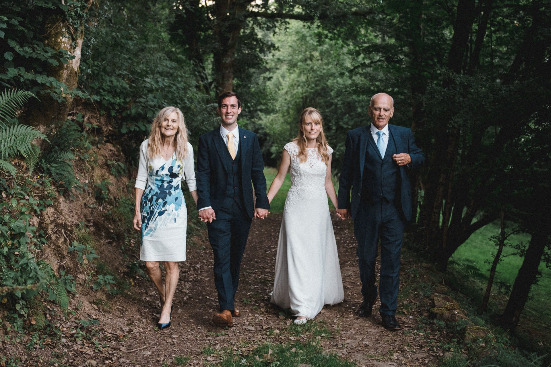 0015-DEVON-SOMERSET-WEDDING-PHOTOGRAPHER-0046-BEST-OF-2019-LOUISE-MAY-DEVON-SOMERSET-WEDDING-PHOTOGRAPHY-LMP_2786