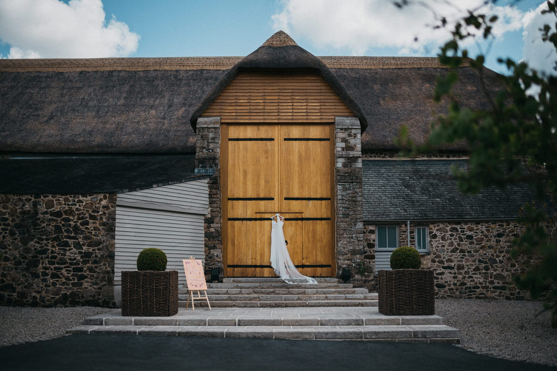 0026-DEVON-SOMERSET-WEDDING-PHOTOGRAPHER-0088-BEST-OF-2019-LOUISE-MAY-DEVON-SOMERSET-WEDDING-PHOTOGRAPHY-LM1_6298