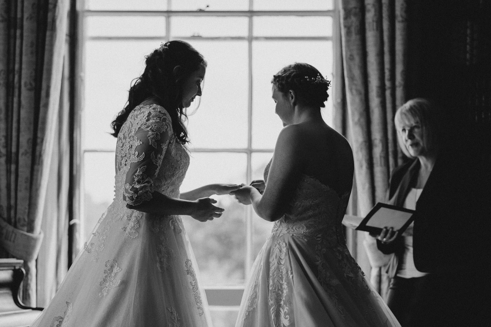 0055-DEVON-SOMERSET-WEDDING-PHOTOGRAPHER-0269-BEST-OF-2019-LOUISE-MAY-DEVON-SOMERSET-WEDDING-PHOTOGRAPHY-LM1_5171