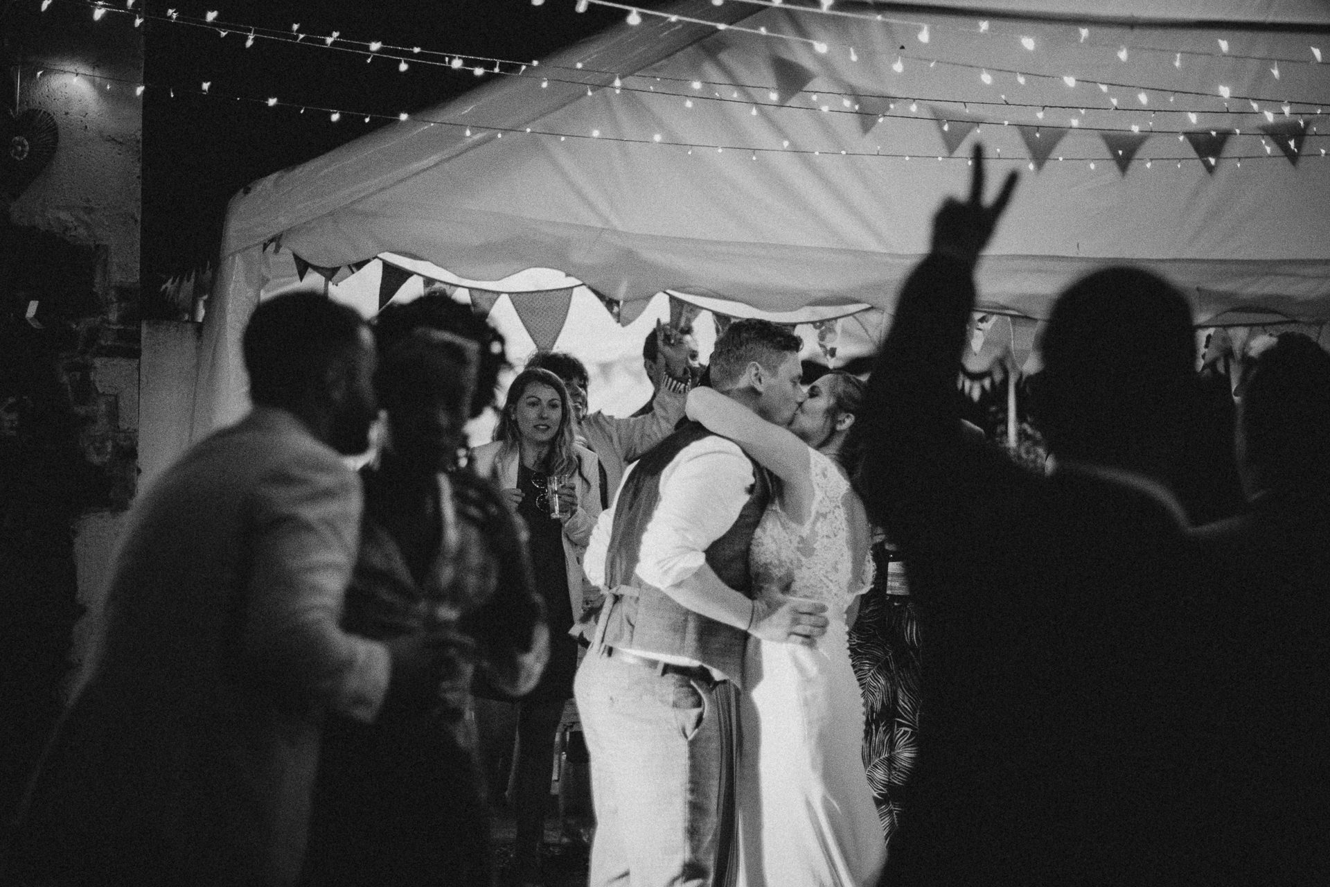 0081-DEVON-SOMERSET-WEDDING-PHOTOGRAPHER-0019-BEST-OF-2019-LOUISE-MAY-DEVON-SOMERSET-WEDDING-PHOTOGRAPHY-LM3_0291